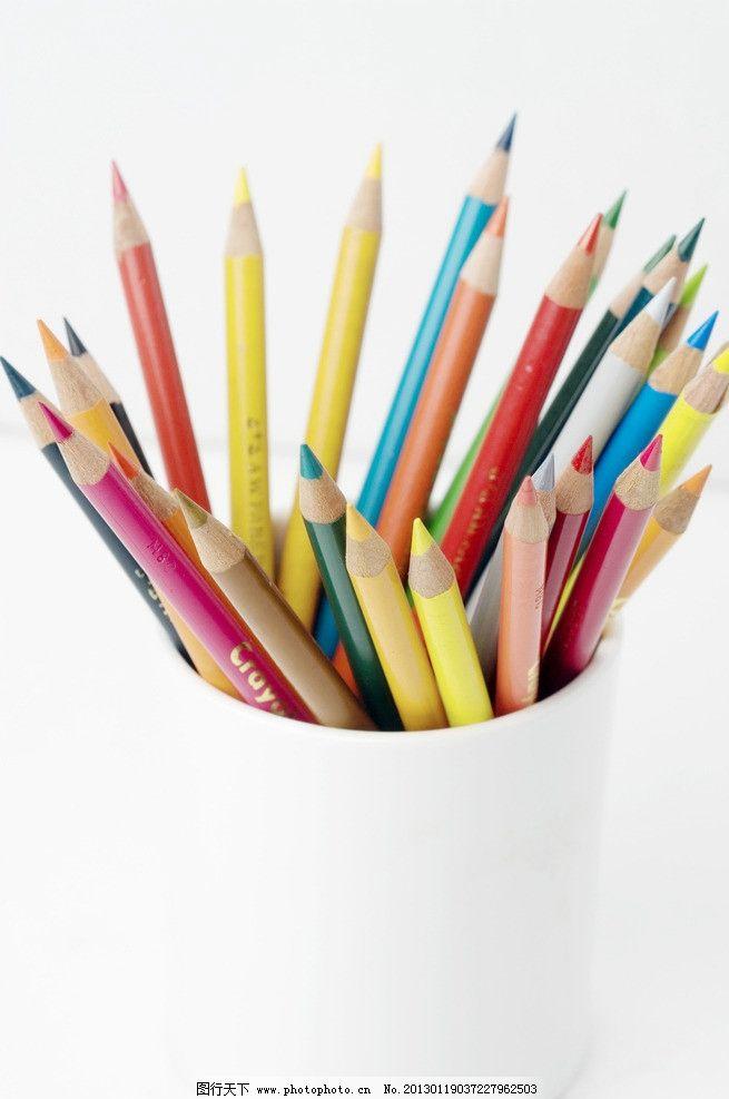 柳树和柳枝的铅笔画法