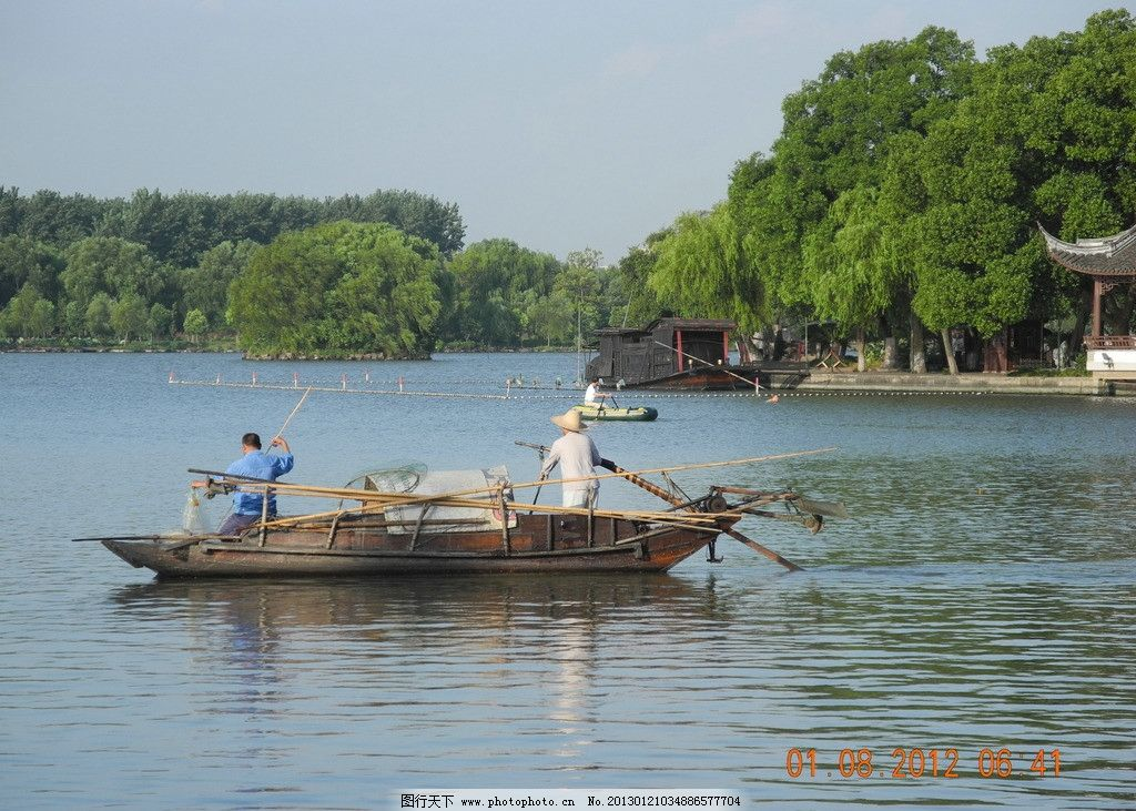 渔船 船夫 渔夫 打鱼 南湖 浙江嘉兴 自然风景 自然景观 摄影 300dpi