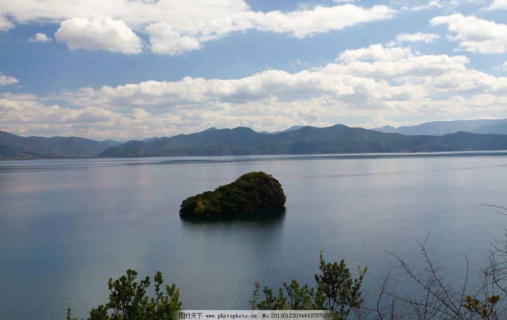 湖中小岛图片