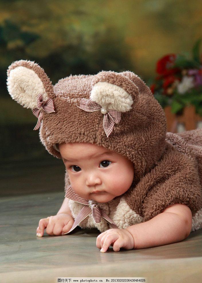 趴着的宝宝 宝宝 儿童 小熊 天真 暖色 大眼睛 婴儿 孩子 儿童幼儿