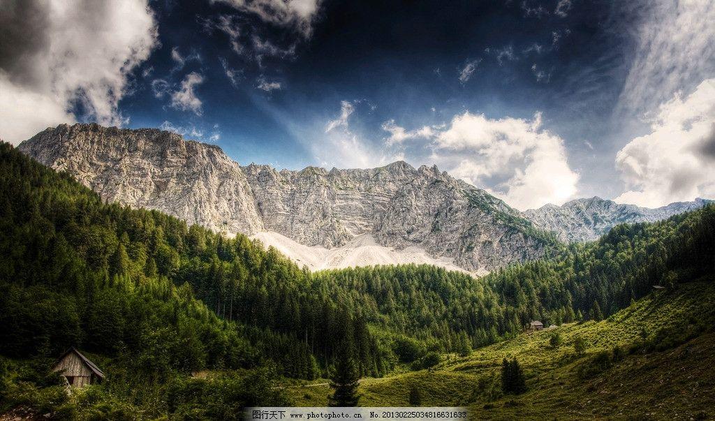 唯美山景 远山 蓝天白云 连绵 小木屋 唯美风景 自然风景 自然景观
