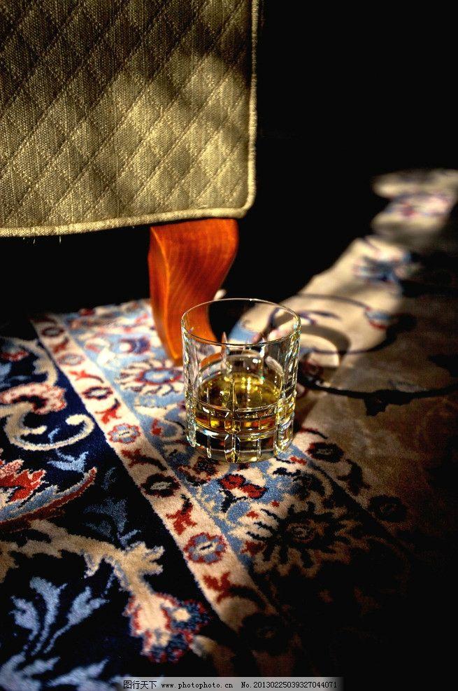 酒杯 红酒杯 玻璃板 艺术品      尊贵 豪华 典雅 欧式装修 豪华装修