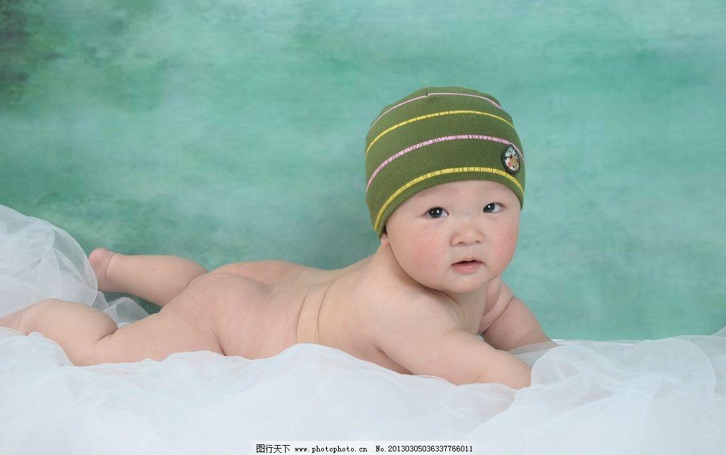 婴儿图片,裸体 趴着 帽子 丝绸 凝视 男孩 人物摄影