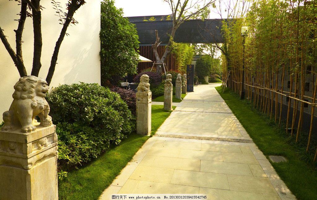 中式别墅小区 中式别墅建筑 中式房子 中式庭院 石路 中式雕塑