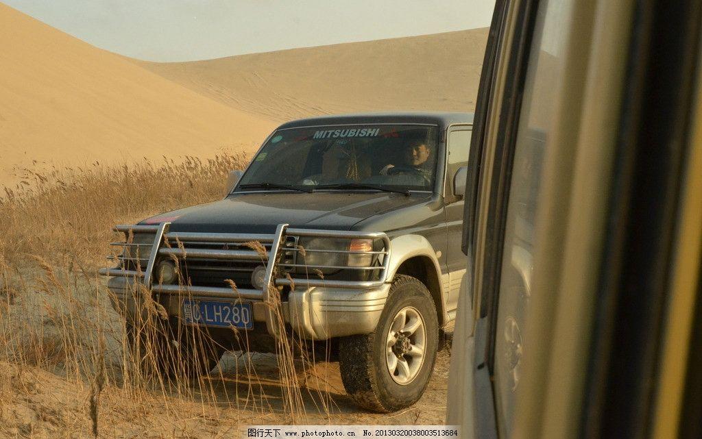翡翠岛越野 沙漠 汽车 戈壁 越野车 摄影