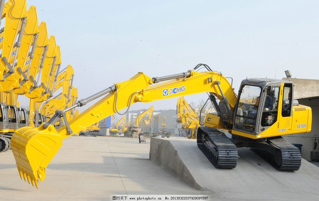 挖掘机 徐工 工程机械 工业生产 现代科技 摄影 300dpi jpg