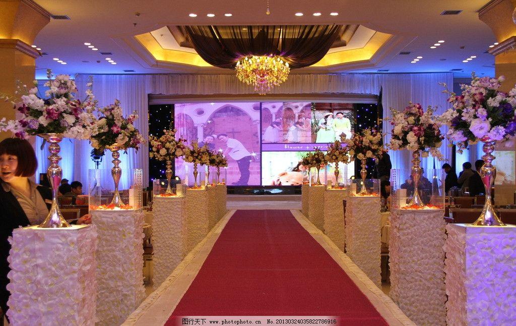 婚礼舞台花艺图片