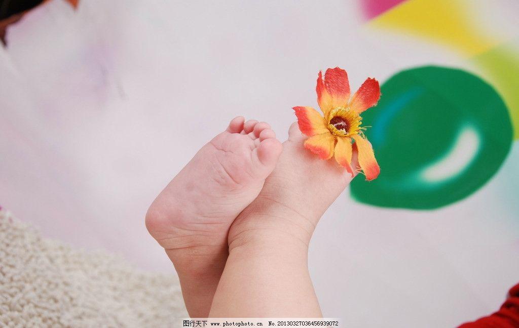 麒麟宝宝 可爱宝贝 脚丫 女儿 兔宝宝 乖女女 儿童幼儿 人物图库 摄影